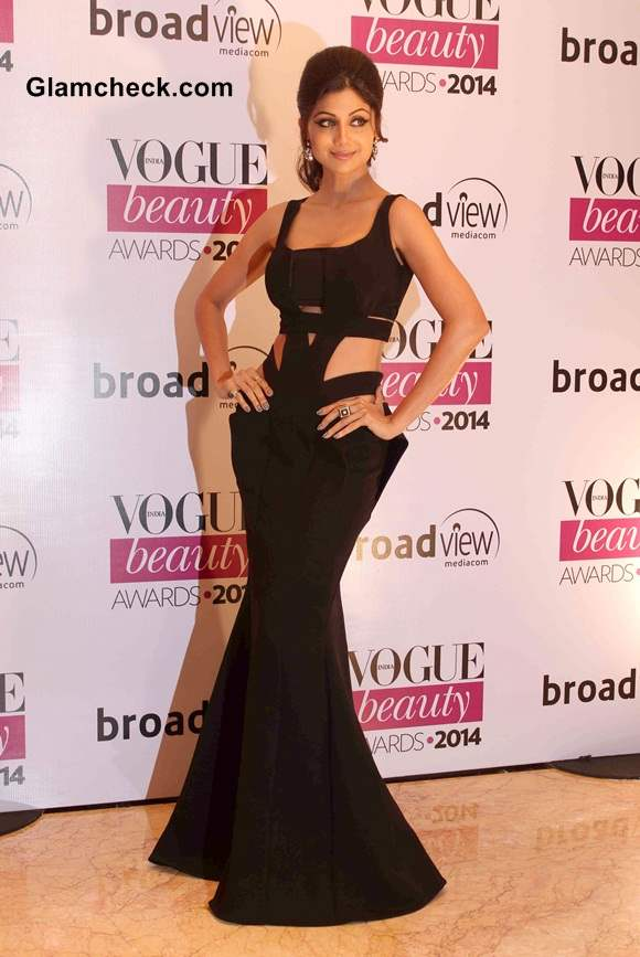 Shilpa Shetty in Monisha Jaisingh Couture at Vogue Beauty Awards 2014