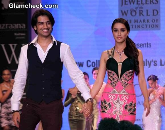 Shraddha Kapoor Walks for Gitanjali Jewellers at IIJW 2014