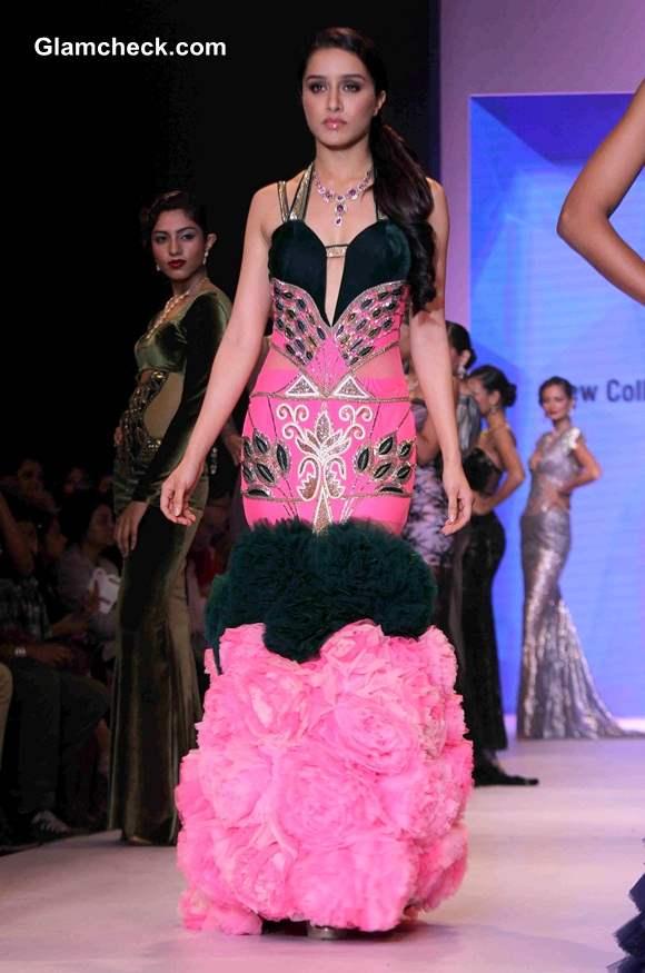 Shraddha Kapoor for Gitanjali Jewellers at IIJW 2014