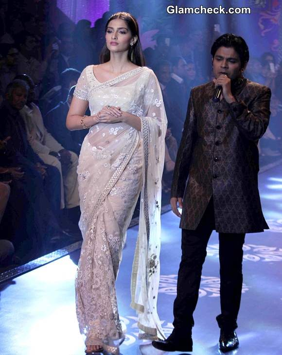 Sonam Kapoor IIJW 2014