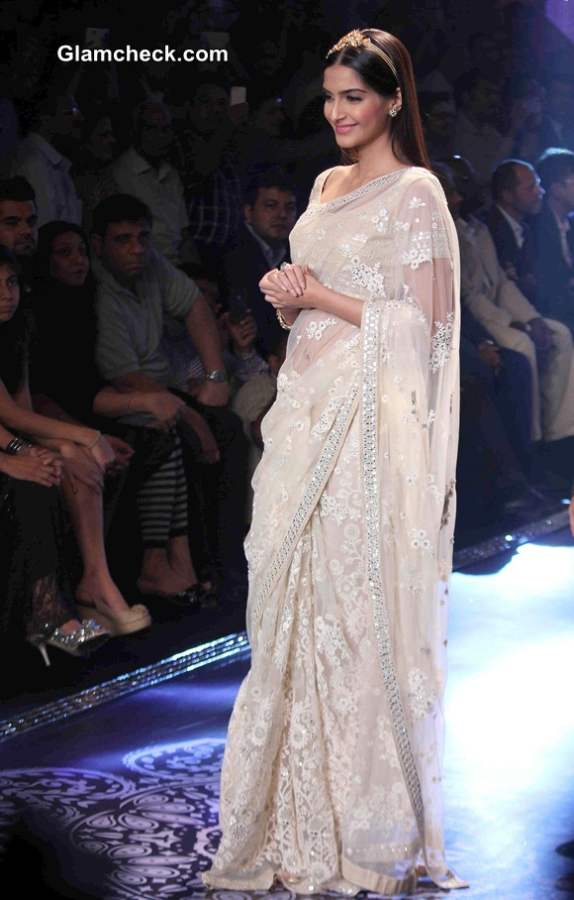 Sonam Kapoor at IIJW 2014