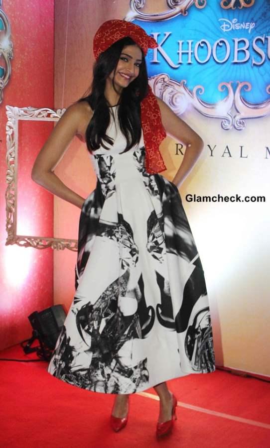 Sonam Kapoor in Toni Maticevski Dress at Khoobsurat Trailer Launch
