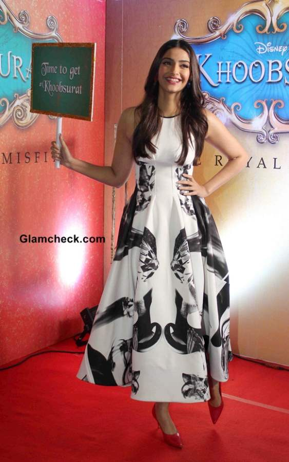 Sonam Kapoor in Toni Maticevski at Khoobsurat Trailer Launch