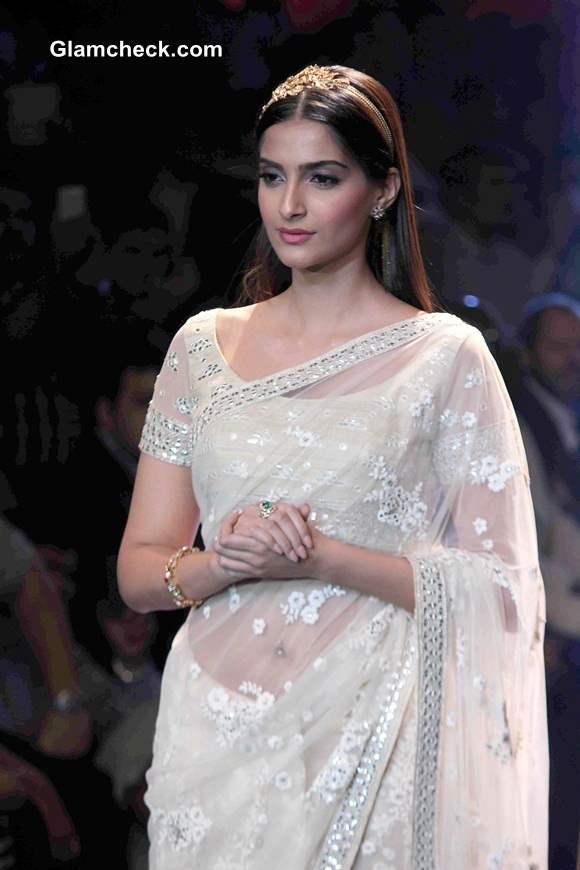 Sonam Kapoor pics 2014