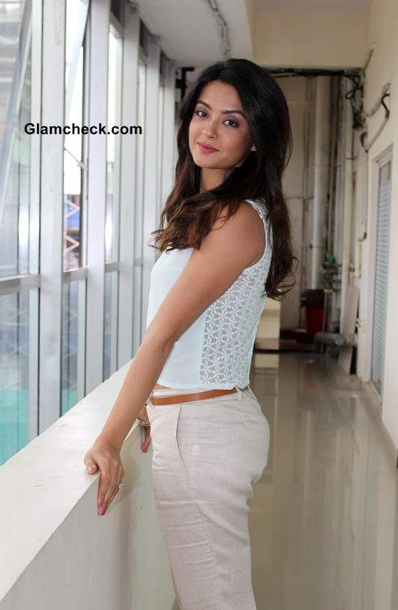 Surveen Chawla 2014 Hate Story 2