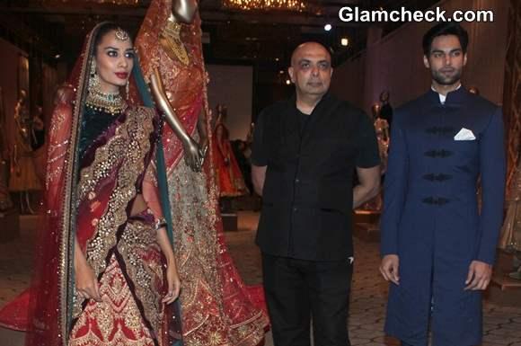 Tarun Tahiliani Debuts The Modern Mughals at Bridal Expo 2014