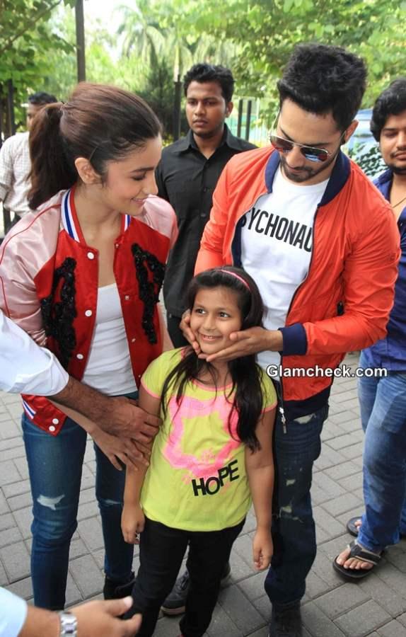 Varun and Alia Promote Humpty Sharma Ki Dulhania movie 2014