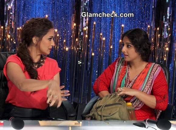 Vidya Balan with Madhuri Dixit on Jhalak Dikhlaa Jaa 7