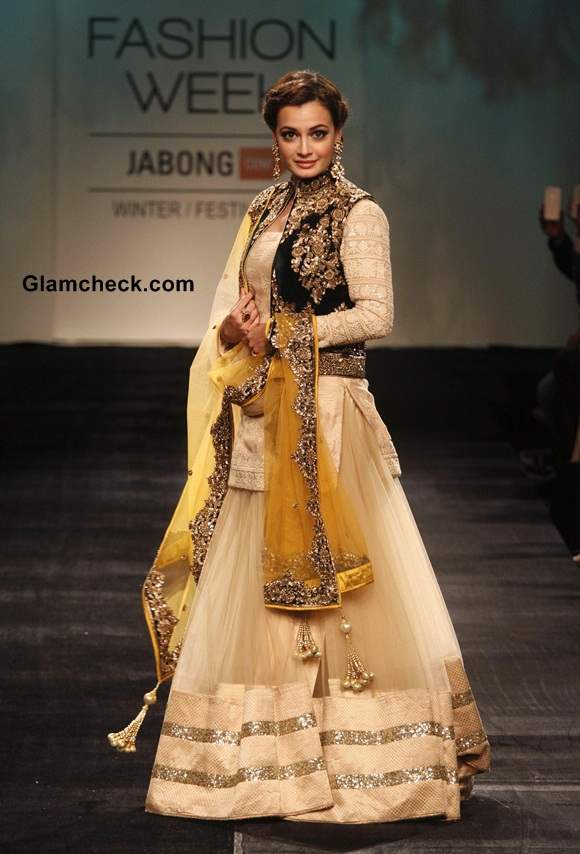 Dia Mirza for Vikram Phadnis at LFW 2014