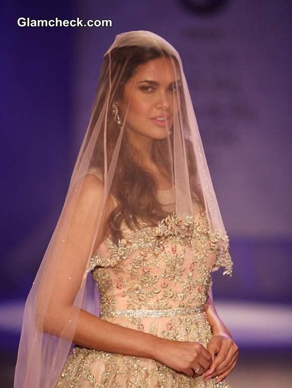 Esha Gupta at India Bridal Fashion Week 2014