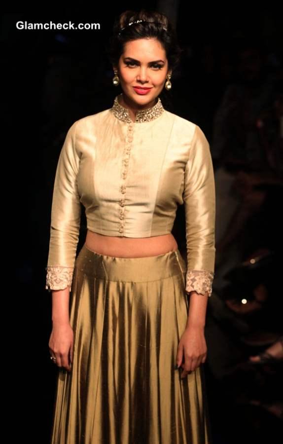Esha Gupta at Lakme Fashion Week 2014 Winter Festive Grand Finale