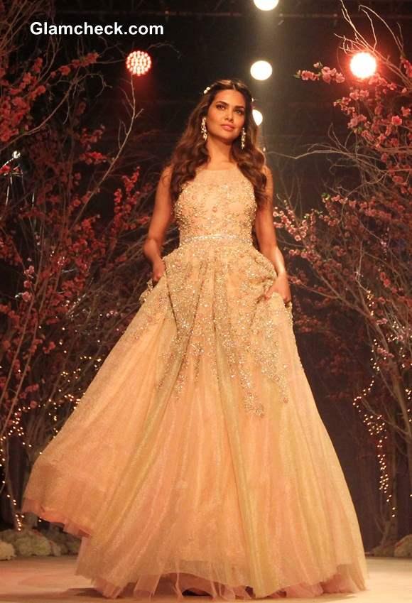 Esha Gupta for Jyotsna Tiwari India Bridal Fashion Week 2014
