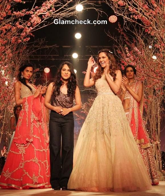 Esha Gupta for Jyotsna Tiwari at India Bridal Fashion Week 2014