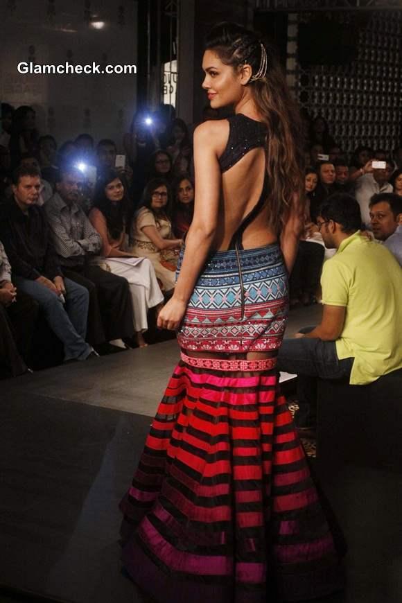 Esha Gupta for Neha Agarwal at LFW Winter-Festive 2014