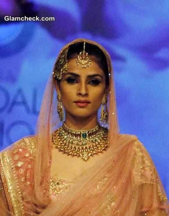 India Bridal Fashion Week 2014 Azva Jewellery collection