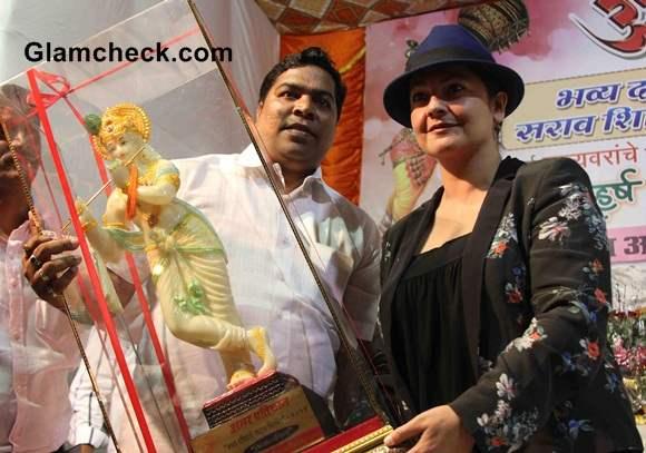 Pooja Bhatt at Dahi Handi Celebrations 2014