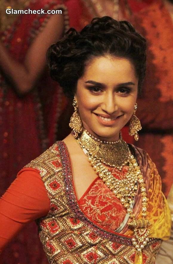 Shraddha Kapoor Showstopper for J J Valaya at India Bridal Fashion Week 2014