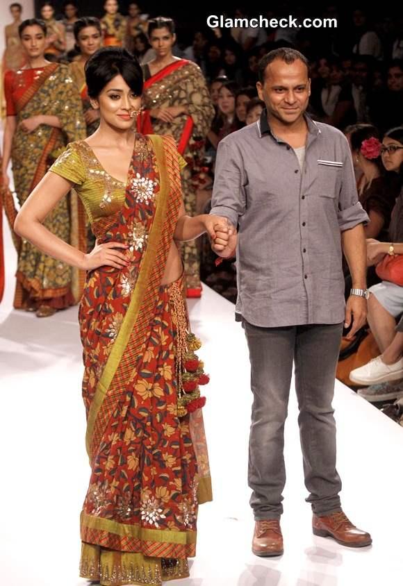 Shriya Saran for Sashikant Naidu at Lakme Fashion Week Winter-Festive 2014