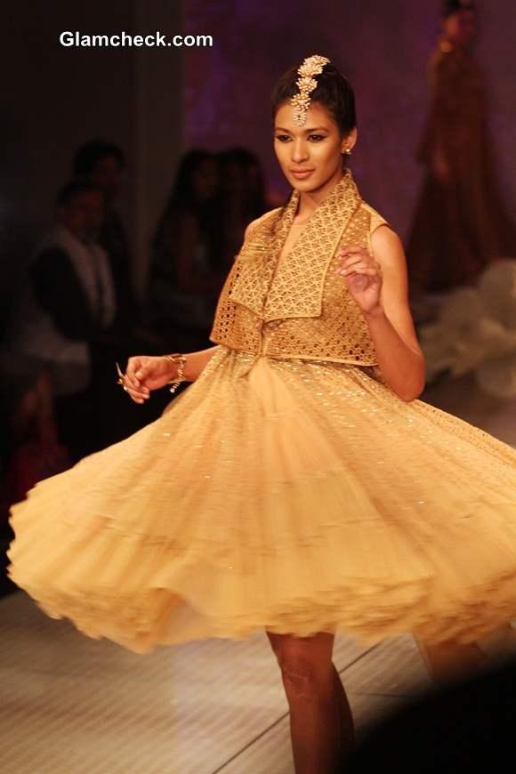 Tarun Tahiliani 2014 collection BMW India Bridal Fashion Week