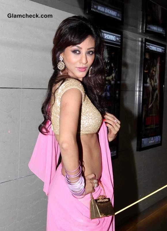Vedita Pratap Singh Hot  Sari