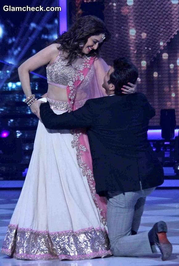 Anil Kapoor and Madhuri Dixit at the grand finale of Jhalak Dikhhla Jaa Season 7