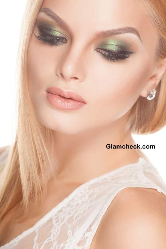 Beauty How To – Emerald Green Smokey Eyes