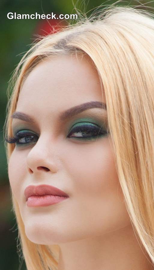 beauty how to � emerald green smokey eyes