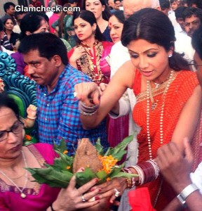 Bollywood Celebs immersed in the festivities of Ganesh Chaturthi 2014