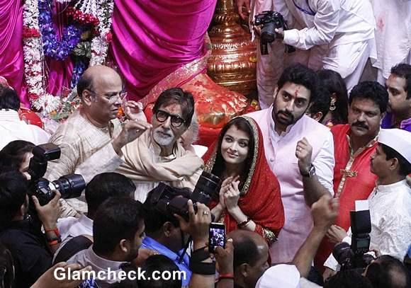Lalbaugcha Raja 2014 - Bachchans offer prayer