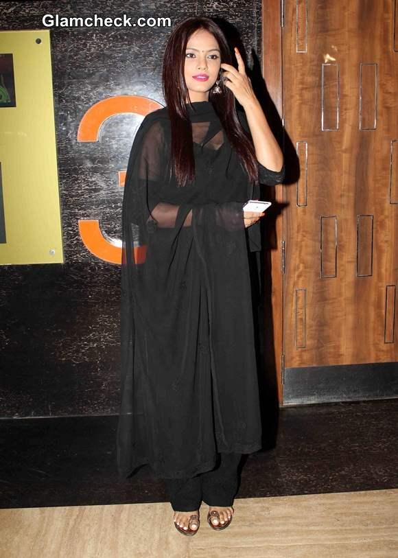 Neetu Chandra at the opening of 5th Jagran Film Festival