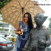 Neha Dhupia with RK Laxmans Common Man Statue