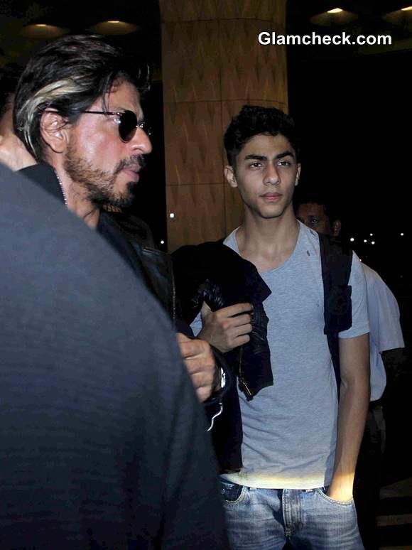 Shahrukh Khan along with his Son Aryan at the Mumbai airport