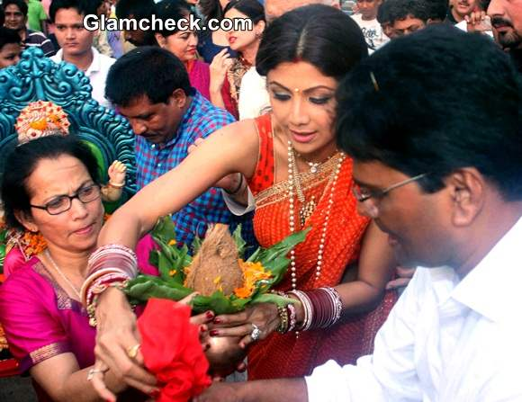 Shilpa Shetty at Ganesh Chaturthi 2014