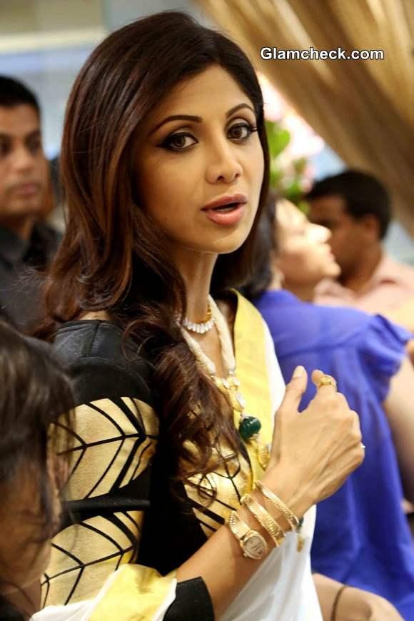 Shilpa Shetty at the inauguration of Anmol Jewellers showroom in New Delhi