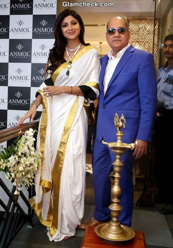 Shilpa Shetty during inauguration of Anmol Jewellers showroom