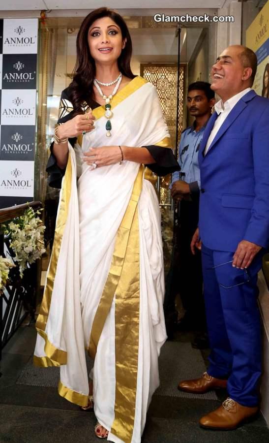 Shilpa Shetty in Kerala saree during the inauguration of Anmol Jewellers showroom in New Delhi