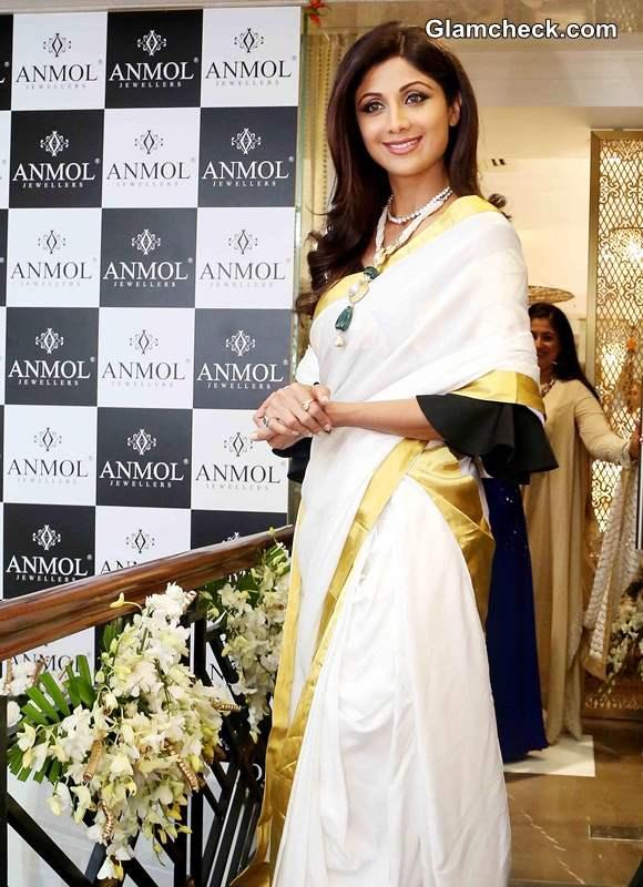Shilpa Shetty in white gold Kerala saree