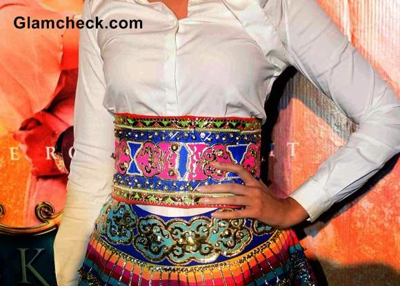Sonam Kapoor Wardrobe Malfunction 2014 Manish Arora Skirt