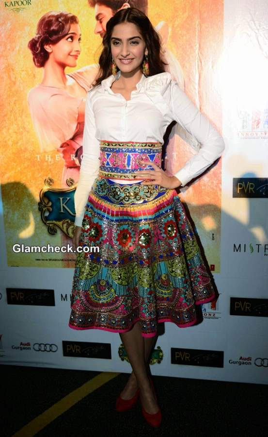 Sonam Kapoor in Manish Arora Skirt during Khoobsurat promos