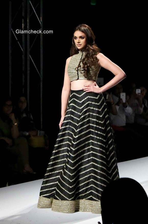 Aditi Rao Hydari for Payal Singhal collection Firdaus for the WIFW 2014