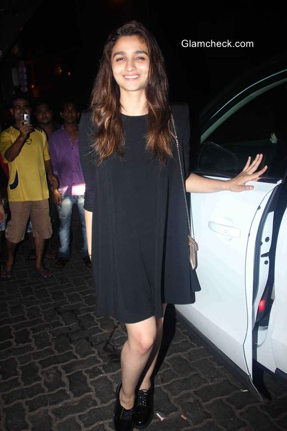 Alia Bhatt spotted without Makeup