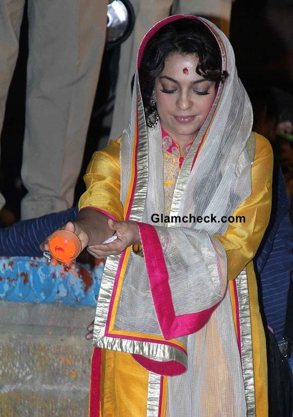 Juhi Chawla 2014 Varanasi to promote Sony Pal
