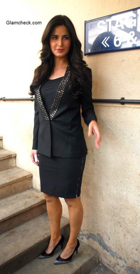 Katrina Kaif goes Black for Bang Bang media interaction