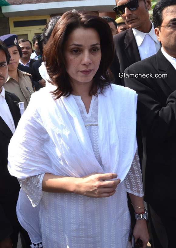 Neelam at a district court for the hearing of Black Buck case in Jodhpur