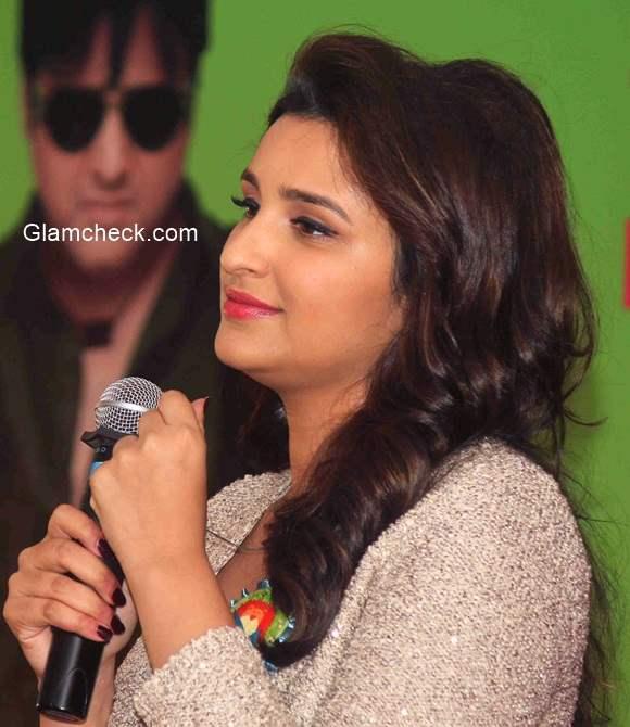 Parineeti Chopra Sajde from Kill Dill