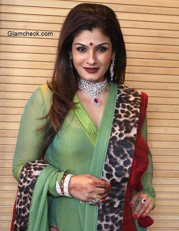 Raveena Tandon at Zaira Diamond showroom in Ahmedabad