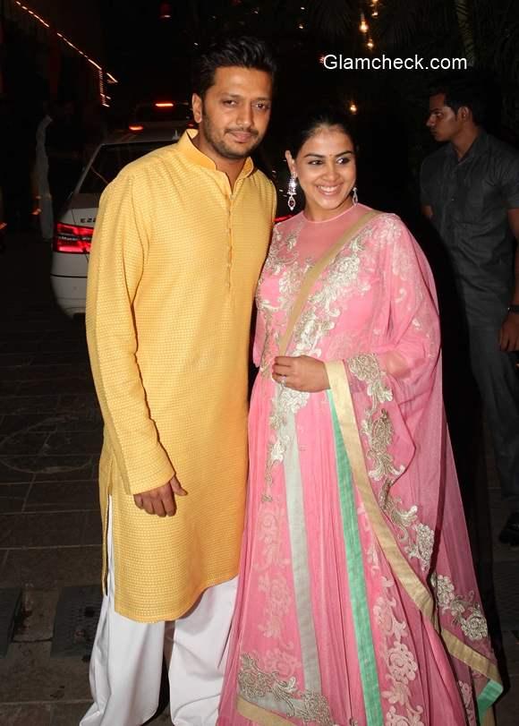 Riteish and Genelia at Amitabh Bachchans Diwali party