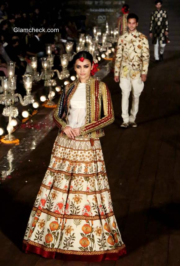 Rohit Bals Gulbagh Collection at Wills India Fashion Week 2014