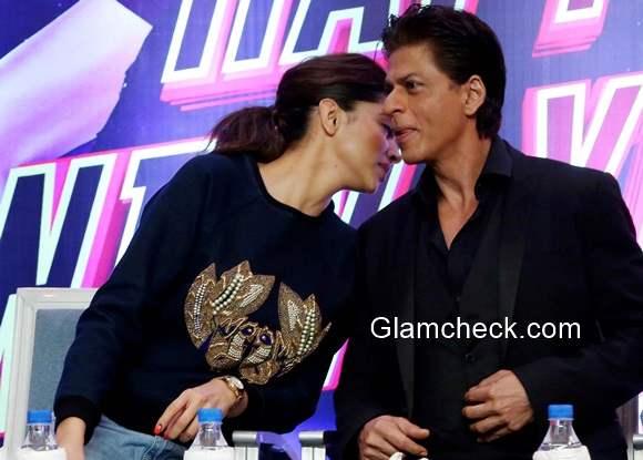 Shahrukh Khan and Deepika Padukone in Happy New Year movie