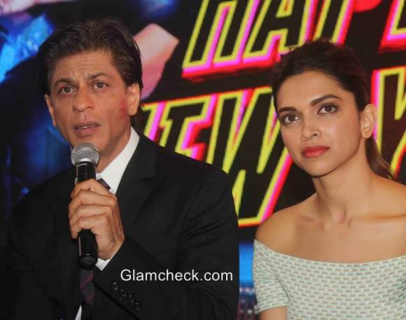Sharukh and Deepika at  Happy New Year latest track Sharabi Release